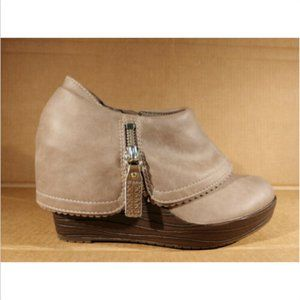 Dr. Scholls Size 6.5 M Platform Wedge Booties Shoe